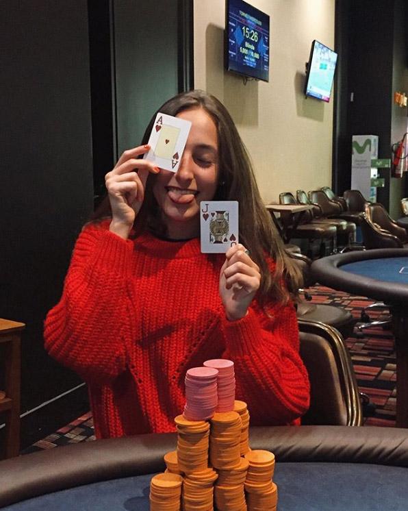 Покер девушки за работой работа в волгограде вакансии для девушек