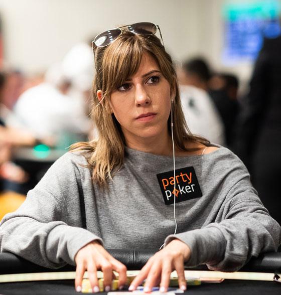 покер онлайн с девушками