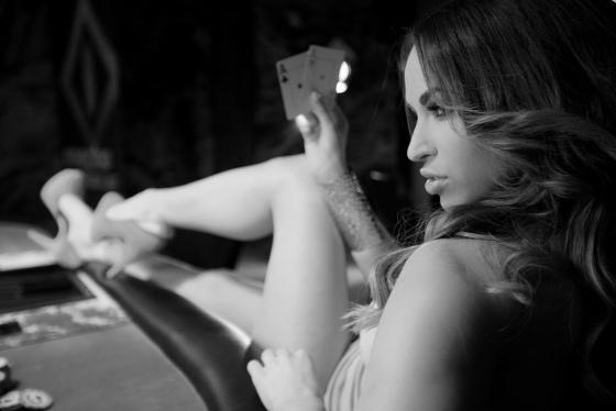 Девушки и покер